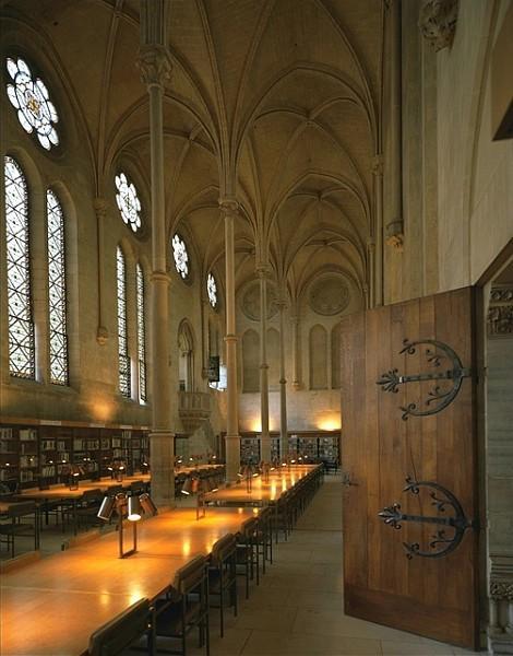 Bibliothèque du Cnam, ancien réfectoire des moines du prieuré de